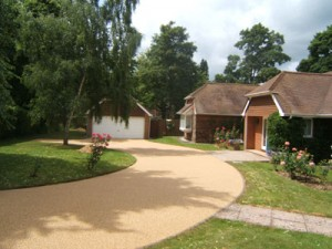 finished resin bound paved driveway