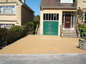 the colourful resin driveway after resin bound paving is installed