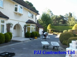 new home drive in resin bound paving by PJJ Sureset approved installer
