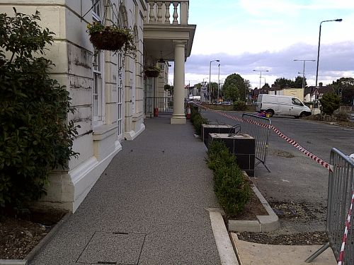 A London hotel has a resin bound pathway installed in the front of the hotels entrance