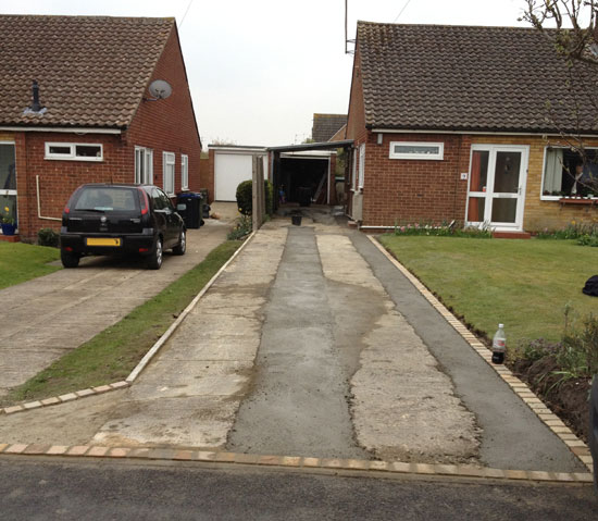 Ronacrete resin bound driveway materials approved installer Devizes Wiltshire
